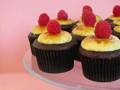 Crème Brulee Cupcakes ~ Crème brulee nested inside a chocolate cupcake- Wow. Forget death by chocolate, how about death by cupcake. This is a killer combination. Mini Tortillas, Just Desserts, Delicious Desserts, Yummy Food, Mini Cakes, Cupcake Cakes, Cup Cakes, Baby Cupcake, Cake Fondant