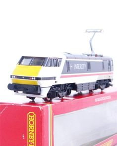 BOXED HORNBY R240 - BR INTERCITY SWALLOW LIVERY CLASS 91 ELECTRIC No.91010