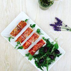 Serranoruller med flødeost og rucola - lækker LCHF-appetizer eller frokost --> Madbanditten.dk