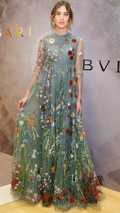 Celebrity Red Carpet Style: Love It or Leave It? - Alexa Chung in a floral gray Valentino dress - Beautiful Gowns, Beautiful Outfits, Gorgeous Dress, Trendy Dresses, Fashion Dresses, Floral Dresses, Floral Gown, Boho Dress, Dress Up