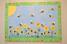 Bees and sunflowers bulletin board idea for preschool and kindergarten. Love the border. Sunflower Bulletin Board, Kindergarten Bulletin Boards, Summer Bulletin Boards, Bulletin Board Borders, Classroom Bulletin Boards, Bee Crafts, Flower Crafts, Preschool Activities, Kids Art Galleries