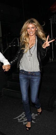 Marisa Miller-- Cute casual outfit