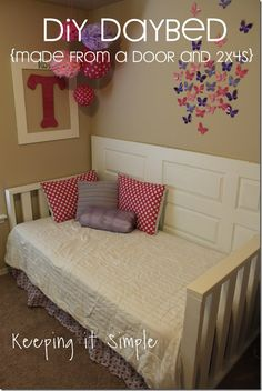 Easy DIY Furniture: DIY Daybed Made from a Door and Girls Bedroom DIY Furniture Idea- Daybed made from a door and Keeping it Simple Diy Furniture Easy, Repurposed Furniture, Painted Furniture, Bedroom Furniture, Home Furniture, Furniture Sets, Furniture Price, Italian Furniture, Furniture Projects
