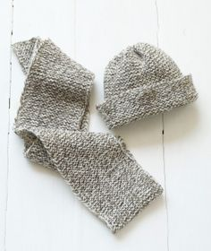 Loom Knit Tweedy Hat - Very nice idea for a man
