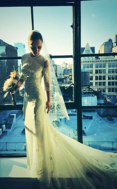 Christina Ricci looks lovely in her Givenchy wedding dress!