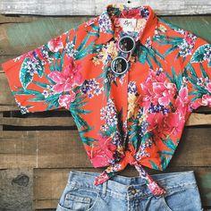"""""""Camisa em algodão (Made In USA - California) Tam P + Shorts Jeans Núm 40 (Cintura alta original 90's) + Óculos azul Mood"""""""