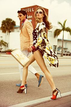 Miami Vintage – In front of Alexander Neumann's lens, Julia Dunstall cozies up with Andres Velencoso Segura for the spring cover shoot of Vogue Hombre. Foto Fashion, Miami Fashion, Trendy Fashion, Spring Fashion, High Fashion, Vintage Fashion, Beach Fashion, Travel Fashion, Fashion Women