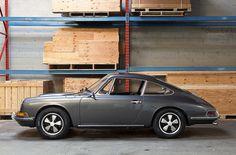 Old school Porsche. Gorgeous.