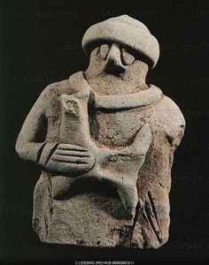 Terracotta statue (end 3rd, beginning 2nd millenium) from Tello, ancient Girsu, Mesopotamia (Iraq) 7.3 x 5cm AO 16725    Louvre, Departement des Antiquites Orientales, Paris, France