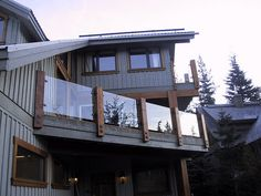 Glass deck railing ideas | Glass Deck Railings Can Also Be Practical | Patio Deck Designs Idea