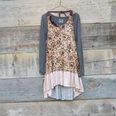 Cute for bridesmaids simple country wedding Cowgirl Style, Cowgirl Boots, Ugly Clothes, Country Picnic, Altered Clothes, Ugly Outfits, Renewing Vows, Picnic Dress, Renewal Wedding