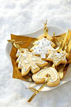 Petits sablés de Noël. Recette incontournable pour Noël, ces petits gâteaux seront parfaits à offrir... ou à déguster !