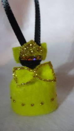 PROMOÇÃO FRETE GRÁTIS NAS COMPRAS ACIMA DE R$ R$ 100,00 !!!  Orixá pingente confeccionado em feltro de alta qualidade e fita de cetim, pode ser usado em  chaveiro, bolsa, celular e carro.   Embalagem grátis em saquinho de acetato e fita de cetim.  Um lindo presente. Podemos mudar as cores da roupas, fazemos todos os Orixás. Embalagem grátis em saquinho de acetato e fita de cetim.  Preço diferenciado para grandes quantidades.   Frete a consultar  Consulte-nos !! R$ 1,50