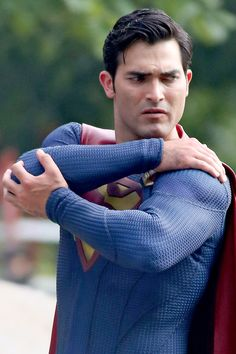 Full sized photo of Tyler Hoechlin Fights a Villain as Superman! and tyler hoechlin fight scene superman supergirl Check out the latest photos, news and gossip on celebrities and all the big names in pop culture, tv, movies, entertainment and more.