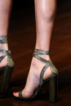 Gucci Spring 2015 Ready-to-Wear - Details - Gallery - Look 123 - Style.com