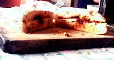 """"""" pani cunsatu"""", o meglio dire pane condito con caciocavallo ragusano, capuliato siciliano, sarda sott'olio, origano e sale. .... giusto una cosetta così :)"""