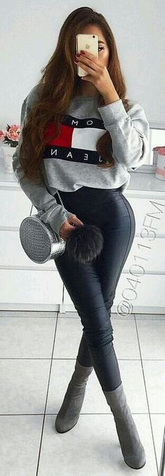 Insane Winter Outfits To Copy Now gray Tommy Hilfiger pull-over jacket Tommy Hilfiger Mujer, Tommy Hilfiger Outfit, Tommy Hilfiger Sweatshirt, Tommy Hilfiger Jackets, Tommy Hilfiger Women, Tommy Hilfiger Winter Jacket, Preppy Winter Outfits, Spring Outfits, Casual Outfits