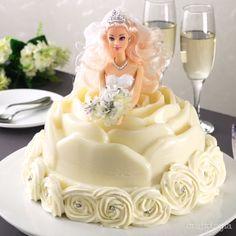 Doll Cake Designs, Cake Decorating Designs, Creative Cake Decorating, Cake Decorating Videos, Cake Decorating Techniques, Barbie Birthday Cake, Barbie Cake, Pineapple Upside Down Bundt Cake Recipe, Gelatina Jello