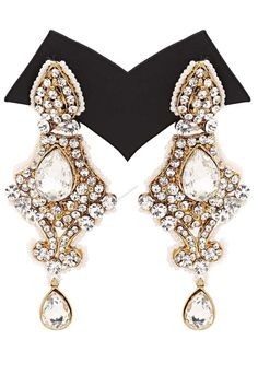 Andaaz Fashion now presents new arrivals earrings with Awesome Quality with price $12.32 and latest fashion trends on-line golden earrings collection for this season which makes you gorgeous from head to toe. These jewelleries are handmade and using alloy as the basic raw material which is artistic shaped with golden colour plating with cute crystal drop.   For more beautiful Jewellery visit: http://www.andaazfashion.us/jewellery/earrings/work/studded-jewellery-earrings