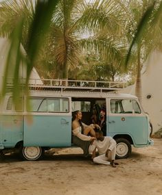 Bohemian engagement photo ideas for beachy couples | Image by Brittany Bradley Studio Baja California, Piece Of Pizza, Christmas Mini Sessions, Top Pic, Adventure Couple, Couples Images, High School Sweethearts, Comparing Yourself To Others, Get Shot