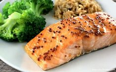 Honey Mustard Salmon in Foil Recipe Honey Mustard Glaze, Honey Mustard Salmon, Salmon In Foil Recipes, Paleo Honey, Glazed Salmon, Salmon Fillets, Main Dishes, Favorite Recipes, Stuffed Peppers