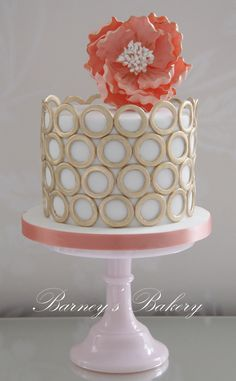 Love the circles and overall look of this cake