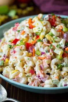 Take a look at these yummy Summer Salad Recipes. 15 of the best easy summer salads for you to try this summer. Summer salads are light and tasty. Try one of these summer salads for Mother's day! Homemade Macaroni Salad, Chicken Macaroni Salad, Classic Macaroni Salad, Best Macaroni Salad, Chicken Salad, Easy Summer Salads, Summer Salad Recipes, Cold Pasta Dishes, Healthy Breakfast Bowl