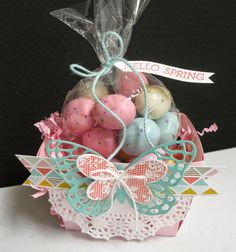 Spring berry basket - based on the cover of Stampin' Success magazine - Candy Packaging, Pretty Packaging, Clever Packaging, Valentine Banner, Berry Baskets, Stamping Up, Rubber Stamping, About Easter, Easter Projects