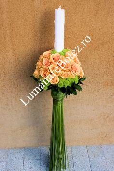 sursa foto:www.lumanarebotez.ro Flower Arrangements, Candles, Table Decorations, Home Decor, Photos, Floral Arrangements, Decoration Home, Room Decor, Center Pieces