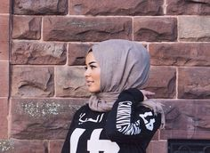 #lifelongpercussion Habiba Da Silva, Winter Wear, Hijab Fashion, Muslim, Cool Outfits, Clothing, T Shirt, How To Wear, Outfits