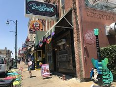 Need some artistic inspiration? Downtown is full of murals for you to explore all day and night! Downtown Memphis, Guitar Art, Murals, Tennessee, Explore, Night, Artist, Photography, Inspiration