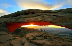 Mesa Arch, Canyonlands National Park, UT