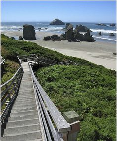 Stairs to the Beautiful Beach of Bandon – Oregon