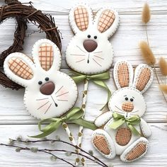 Osterhasen backen Mürbeteighasen Zuckerguss Osterhasen Ausstechform The most historic Easter products, with regards to this Chewy Sugar Cookies, Best Sugar Cookies, Iced Cookies, Cute Cookies, Sugar Cookies Recipe, Easter Cupcakes, Easter Cookies, Holiday Cookies, Flower Cupcakes