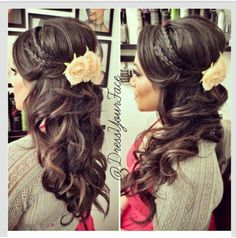 Wedding hair Mom Hairstyles, Simple Wedding Hairstyles, Wedding Hair Down, Half Up Half Down, Popular Haircuts, Your Hair, Hair Makeup, Headbands, Bride