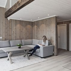 Feature Wall Bedroom, Bedroom Wall, House In The Woods, Home Renovation, Modern Rustic, Dining Bench, Building A House, House Plans, Cottage