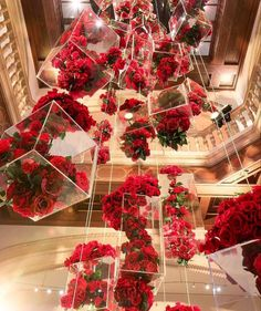 Blumen Kronleuchter - hashtags} - ideen hochzeit You are in the right place about Decoratio Wedding Goals, Wedding Planning, Dream Wedding, Wedding Day, Boho Wedding, Party Wedding, Wedding Reception, Flower Chandelier, Chandelier Art