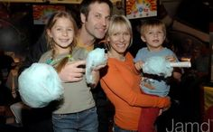 John Hensley(Holden ATWT and Dr.Meade B and B) and Kelley Menighan Hensley(Emily ATWT and Y and R) with 2 of their 3 kids Sophie and Spencer. Missing is Georgie Gigi