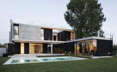 Proyectos - Ezequiel Amado Cattaneo Flat Roof House, Facade House, Residential Architecture, Architecture Design, Modern Villa Design, Contemporary Design, House Goals, Home Fashion, Future House
