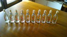 Τα νέα μπουκαλάκια σερβιρίσματος του τσίπουρου μας, καλλιτεχνημένα από το χέρι της ζωγράφου Ελένης Ζούκη - Λαζογιάννη. Στην υγειά σας...