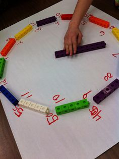 Teaching Special Thinkers: Telling Time is EASY PEASY Creating an analog clock from a unifix number line-- to support learners' understanding of time--great idea! GOOD FOR PREK Teaching Time, Teaching Math, Math Teacher, Teaching French, Teaching Ideas, Math Classroom, Kindergarten Math, Classroom Ideas, Preschool