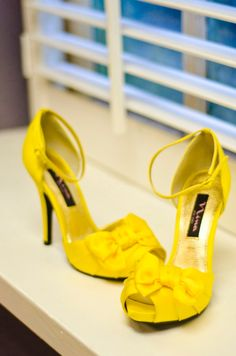 Atlanta Courthouse Wedding with Yellow Color Scheme by Fotos by Fola: Teryn and Corey - Munaluchi Bridal Magazine