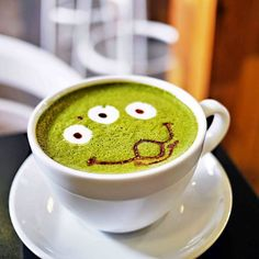 Matcha Latte break. The Claw!!!! #matchalatte #latteart #toystory #theclaw #aliens #pizzaplanet #toystory4