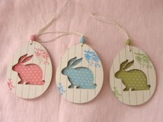 Easter tags or ornaments Easter Gift, Easter Crafts, Egg Card, Diy Ostern, Easter Parade, Easter Holidays, Gift Tags, Creations, Decoration