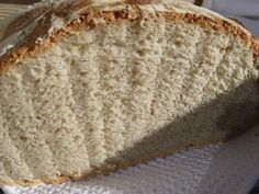 Black Forest Bread - Schwarzwaelder Kruste: Cutaway showing the crumb of a loaf of German bread.