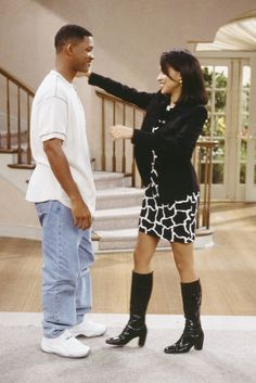 The Fresh Prince of Bel Air wasn't just about young Will Smith moving to his uncle's house. It was really about Hillary Banks' arch as a style goddess. Bank Fashion, 90s Fashion, Fashion Outfits, Fashion Vintage, Hilary Fresh Prince, Fresh Outfits, Fall Outfits, Willian Smith, 90s Grunge