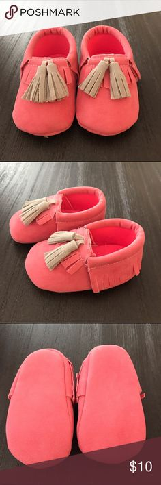 Size 0-6 Month Girls Suede Moccasins Adorable Pink Suede Moccasins, still Brand new! Shoes Moccasins