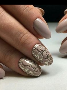 Gold and beige flocked nails, perfect for a wedding.