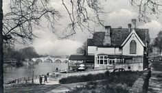 The Three Pigeons - beautiful location, unfortunately destroyed by fire. Lost pubs of Richmond + Twickenham - gallery - from Richmond and Twickenham Times Richmond London, Richmond Upon Thames, West London, Vintage London, Local History, Surrey, Kingston, Old Photos, Nostalgia