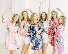 Bridesmaid Robes Floral Bridal Robes, Set of 4 5 6 7 8 9 Bridesmaid Robes, Silk Bridesmaid Robes, Bridal Party Robes, Bridesmaids Gifts Bridal Party Robes, Bridal Gifts, Bridesmaid Robes, Wedding Bridesmaids, Trendy Wedding, Etsy, Satin, Floral Kimono, Loyal Friends